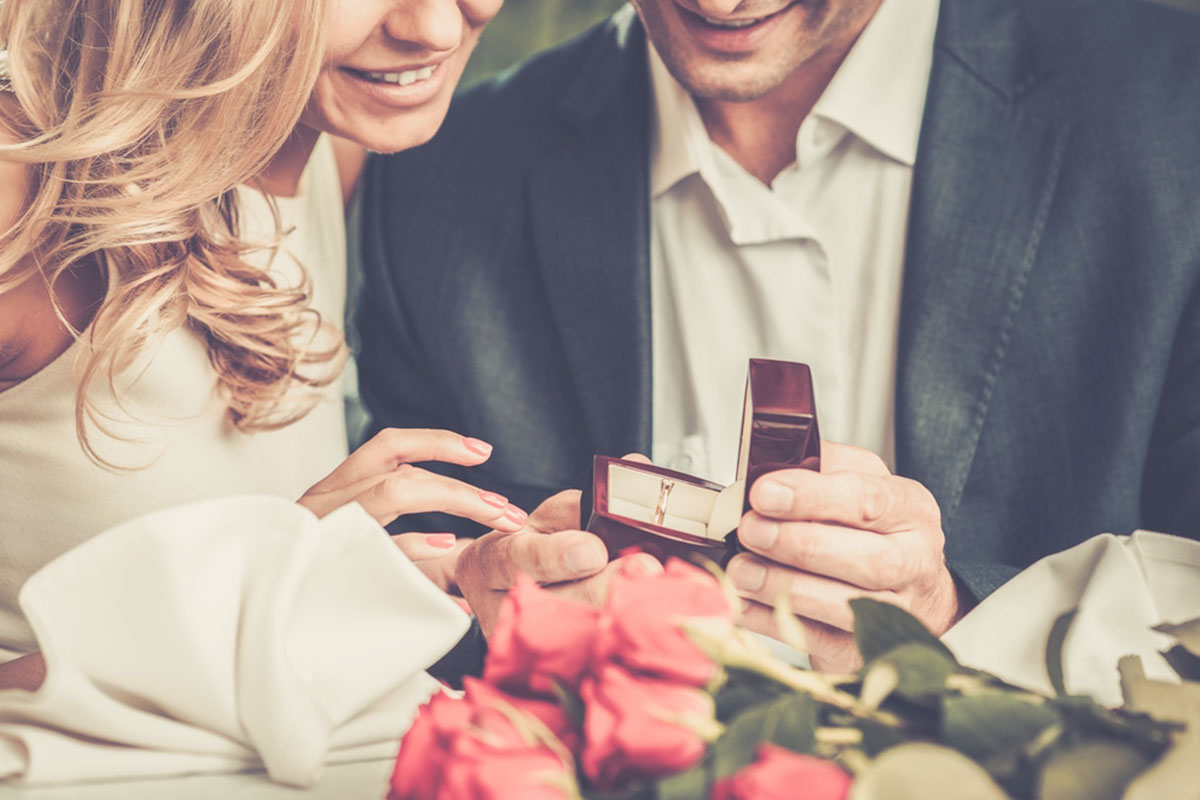 Gold Boutique | Our 25 Greatest Wedding Proposals